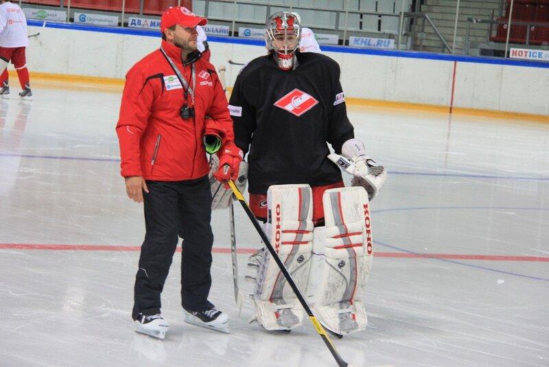 Тренировка  «Спартака» на льду Сокольников (Фото)