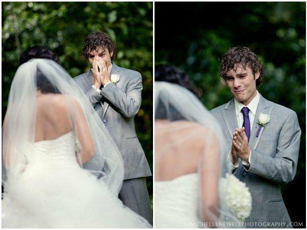 Женихи впервые видят своих невест в платье в день свадьбы