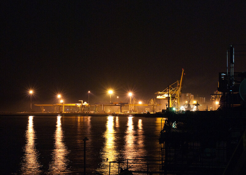 южный порт фото ночью офис передового формата