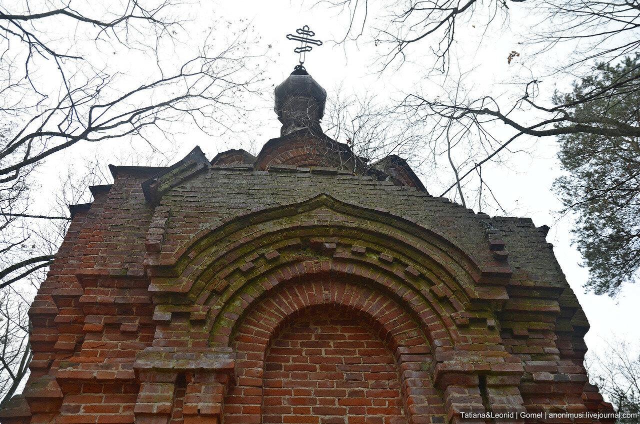 Три часовни на старом кладбище в Рогачеве
