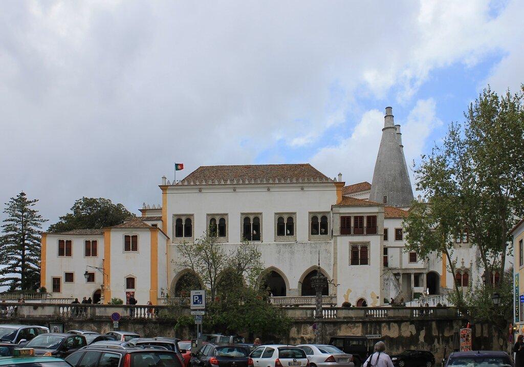 Синтра.Дворец Синтра (Palácio Nacional de Sintra) . Sintra