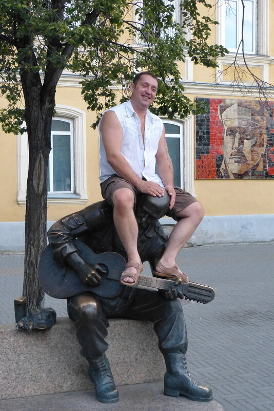 Розенбаум на пешеходной улице в Челябинске