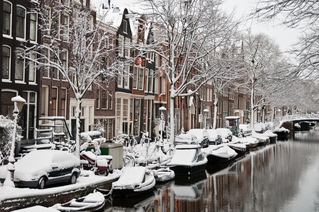 ВНидерландах также действует индивидуальная система отопления: вкаждом доме стоит газовый котел, к