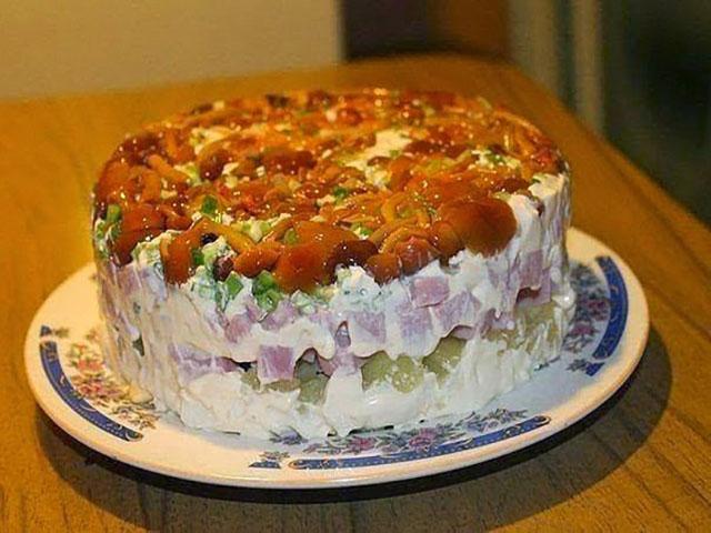 Салат с маринованными опятами.jpg