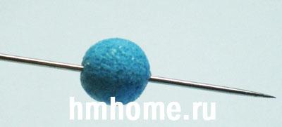 Колье с ракушками, жемчужными бусинами и бусинами из полупрозрачной полимерной глины