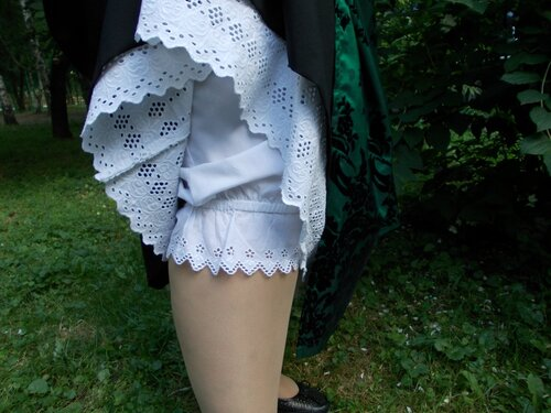 Панаталоны под юбкой