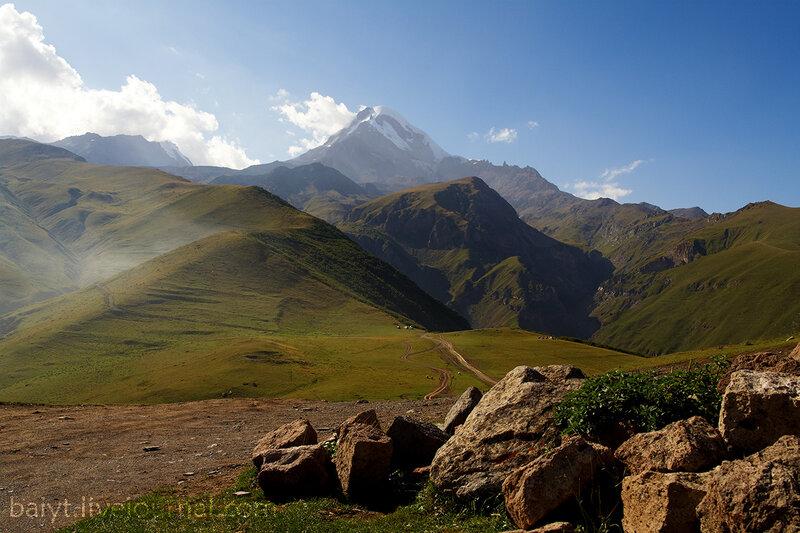 Вид на Казбек от Гергетского монастыря