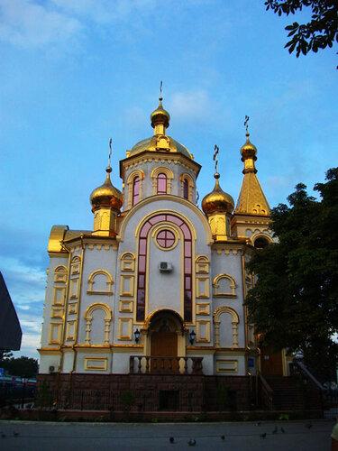 Церковь возле ж/д вокзала в Донецке