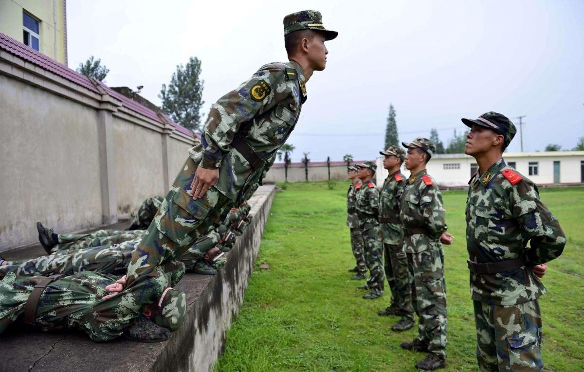 На учебном поле брани: Картинки из жизни бойцов различных спецназов (14)