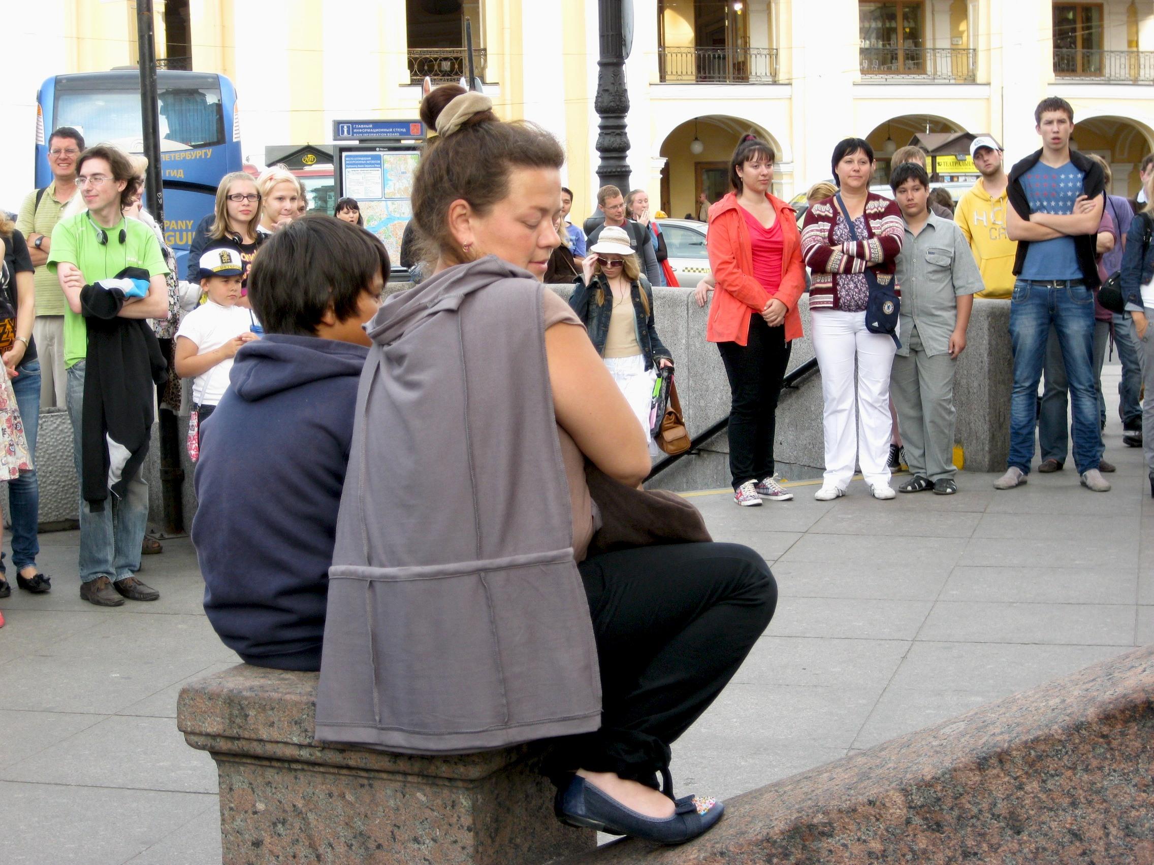 Скоро на лестницах и парапетах Санкт-Петербурга Туристам посвящается-2