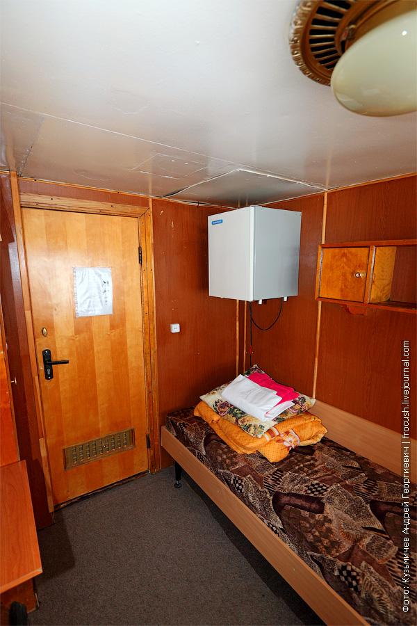 Двухместная одноярусная каюта №8 на средней палубе. теплоход Белинский