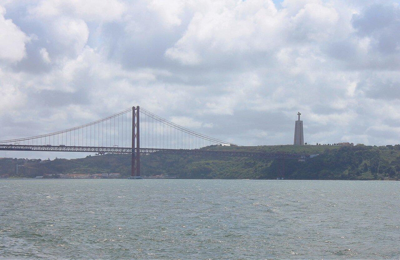 Ponte 25 de Abril. Лиссабон, Мост им. 25 апреля,