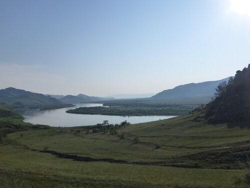 Долина бурятской реки Селенга