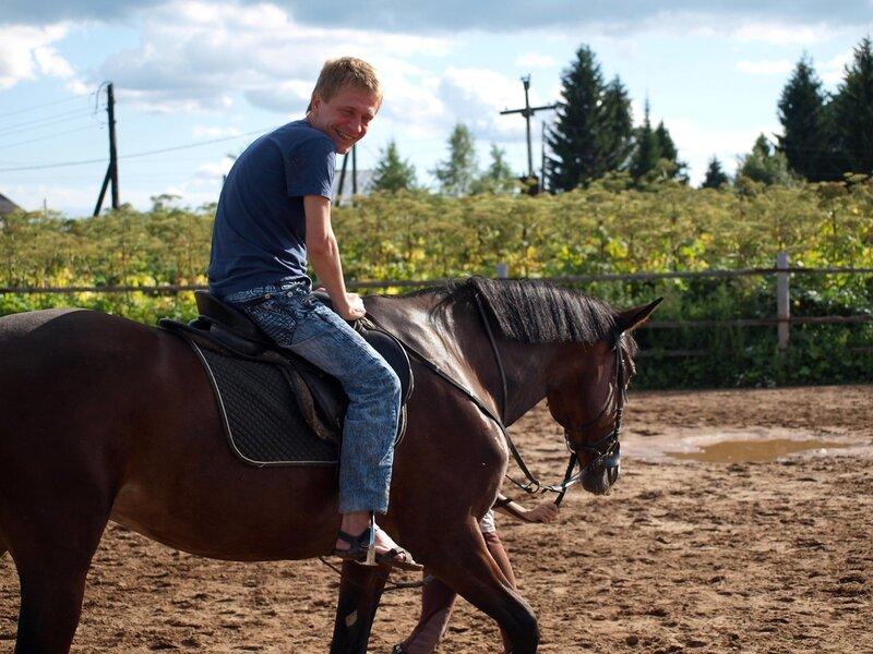 Тёма на коне по имени Лазурный в Учхозе