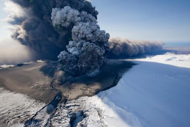 Вулкан Эйяфьядлайёкюдль. Исландия