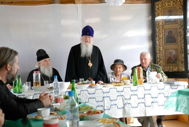 На праздничной трапезе с участием митрополита Евлогия