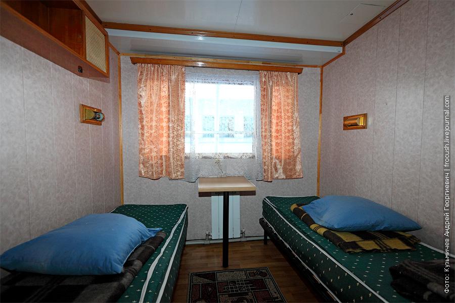 Двухместная одноярусная каюта с умывальником №55 на средней палубе. теплоход Г.В.Плеханов