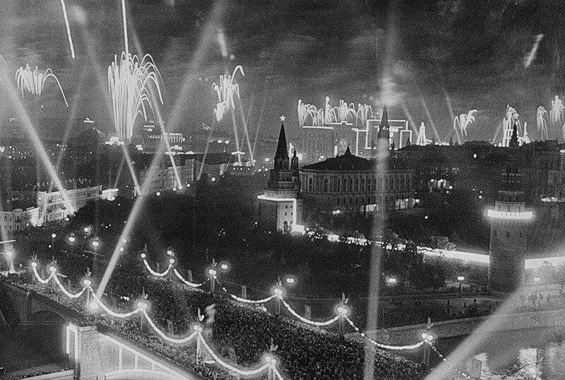 Днем рождения, черно-белые открытки о москве