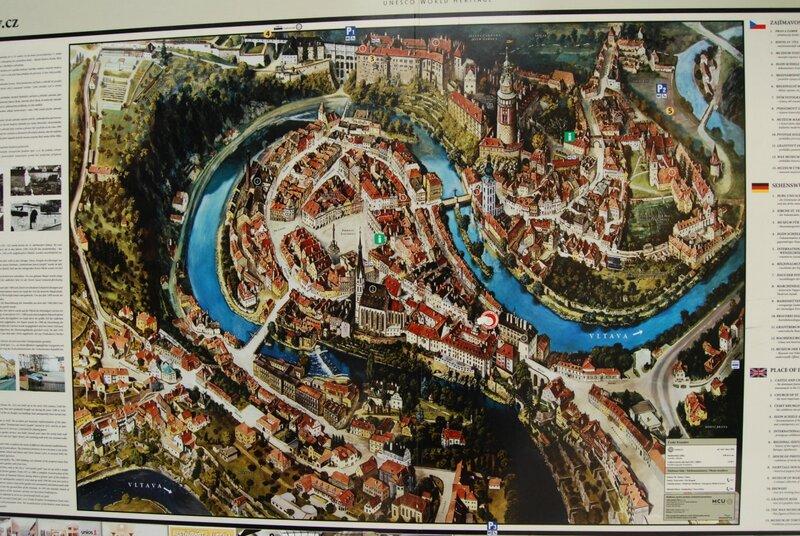 Чешский Крумлов, город в излучине Влтавы Чешский Крумлов, Чехия.