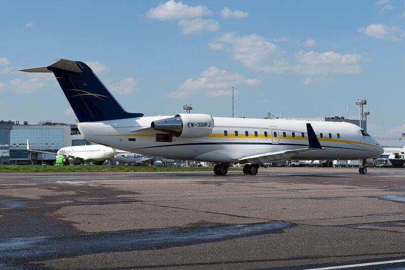 Bombardier CL-600-2B19 Challenger 850 (EW-301PJ) Belavia DSC_0100