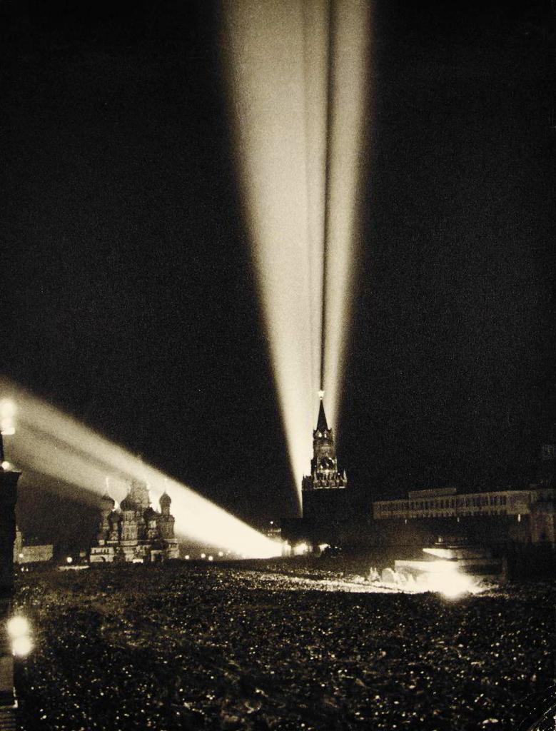Boris Kudoyarov, May 9th 1945, Victory Fireworks in Moscow.png