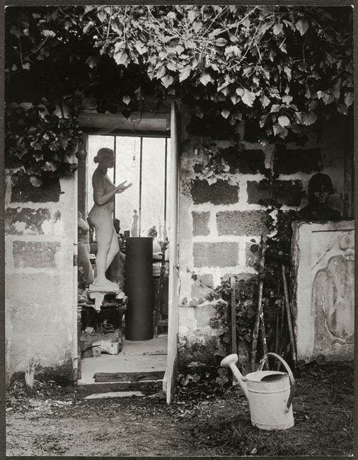 1. У мастерской Аристида Майоля. 1936.jpg