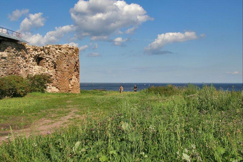 Крепость Орешек, Флажная башня и берег Ладожского озера