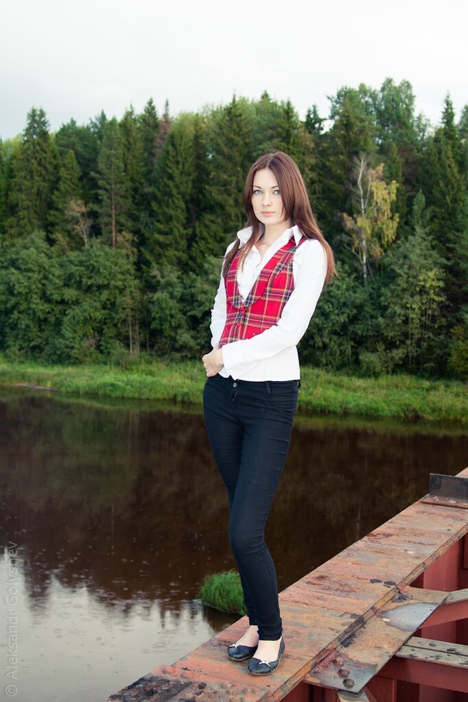Таня на мосту