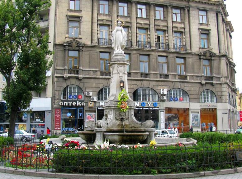 Львов - Статуя Девы Марии
