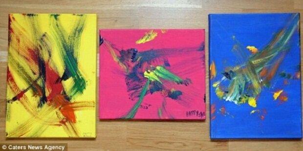 Ослица Пэтти пишет картины в стиле абстракционизма