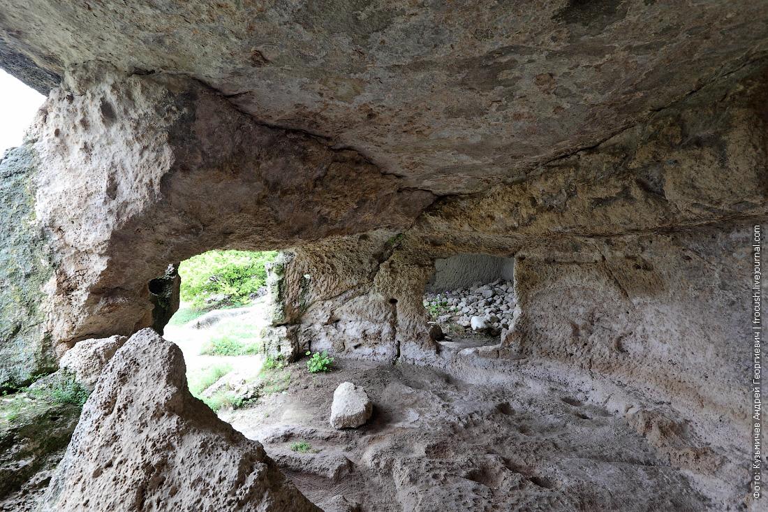 пещерный город Чуфут-Кале Крым
