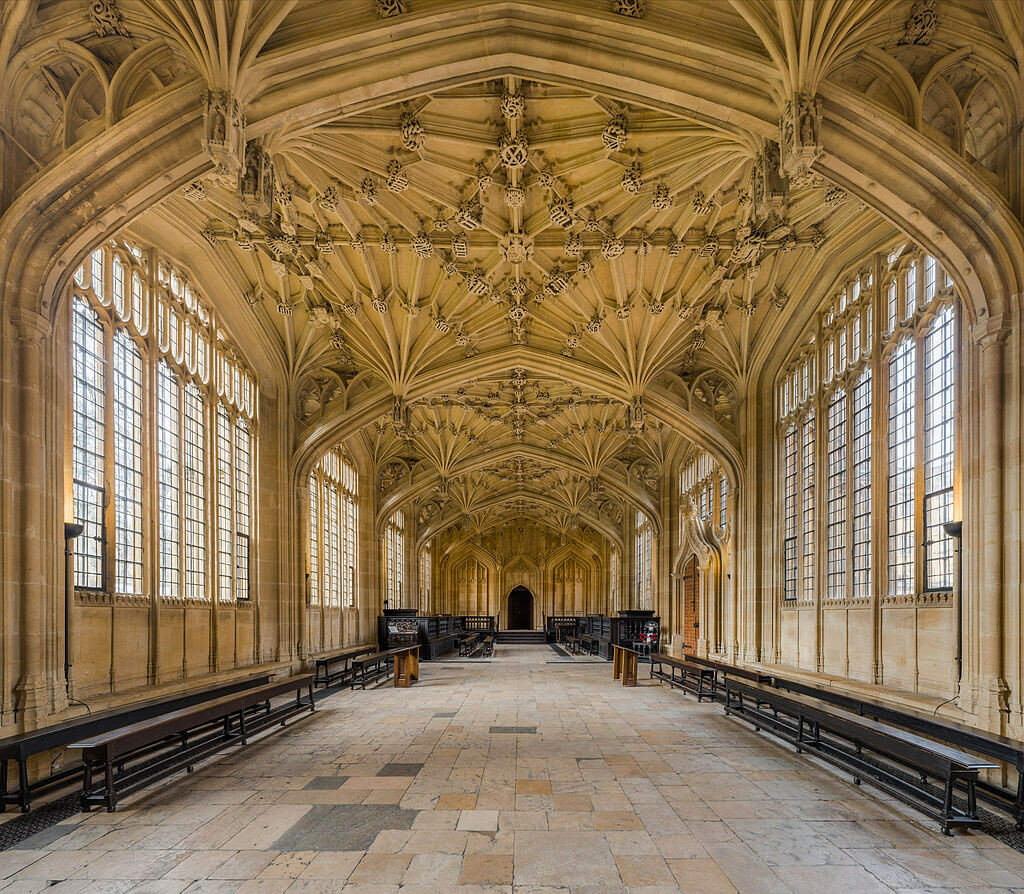 Divinity_School_Interior_1,_Bodleian_Library,_Oxford,_UK_-_Diliff.jpg