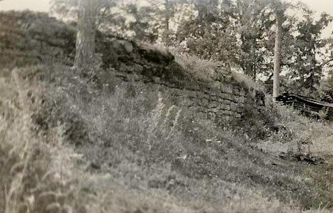 Старое фото городища Локстене