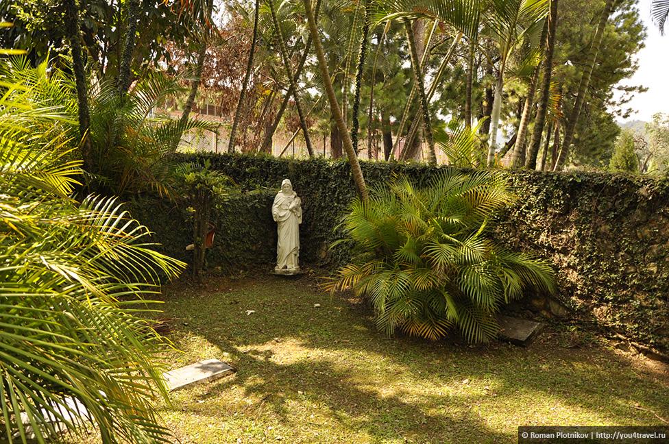 0 14e9c2 44f6a444 orig День 171. Кладбище, где похоронен колумбийский наркобарон Пабло Эскобар, и его дом в Медельине
