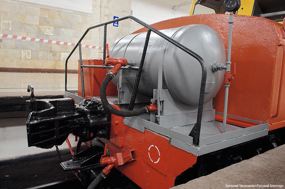 Метро. Выставка. Мотовоз МК-2 1953г. 18.05.15.03..jpg