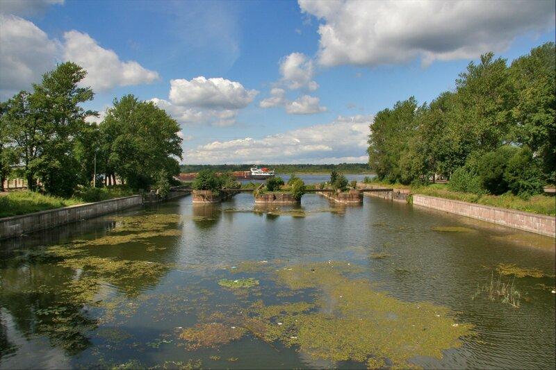 Развалины шлюзов Староладожского канала в Шлиссельбурге
