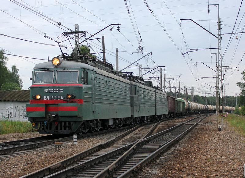 ВЛ11М-019 на станции Манихино-