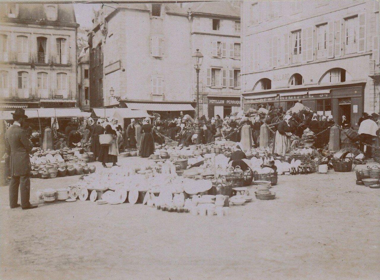 1900. Рынок