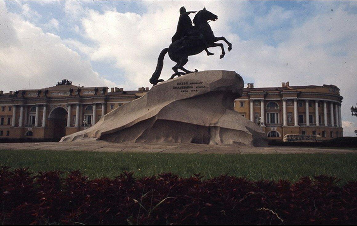 07. Памятник Петру I