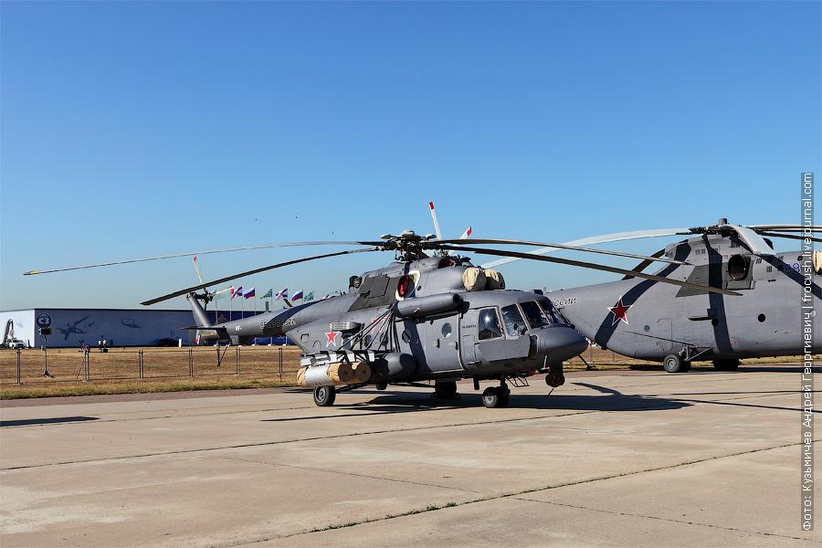 Штурмовой военно-транспортный вертолет Ми-8АМТШ