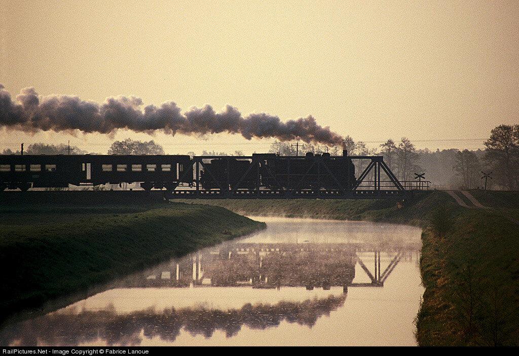 Locomotive Ok1-359, Steam 4-6-0, PKP - Polish State Railways, Kopanica bridge, Kopanica, Poland, February, 1992