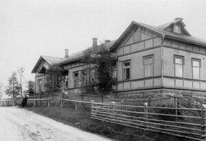 Дом, в котором происходило заседание суда.
