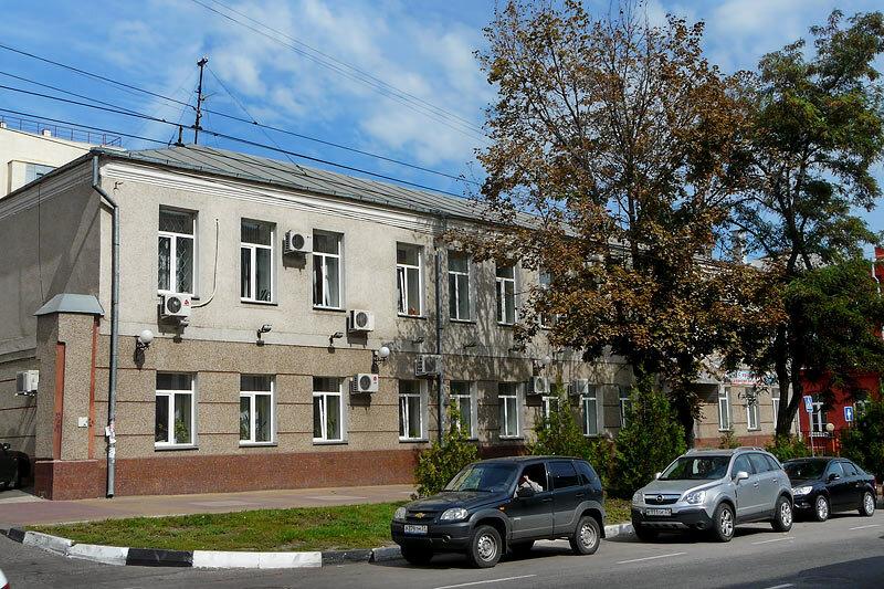 Здание бывшего четырёхклассного училища, построено в 1823 г., современный облик. Фото Sanchess, 2012