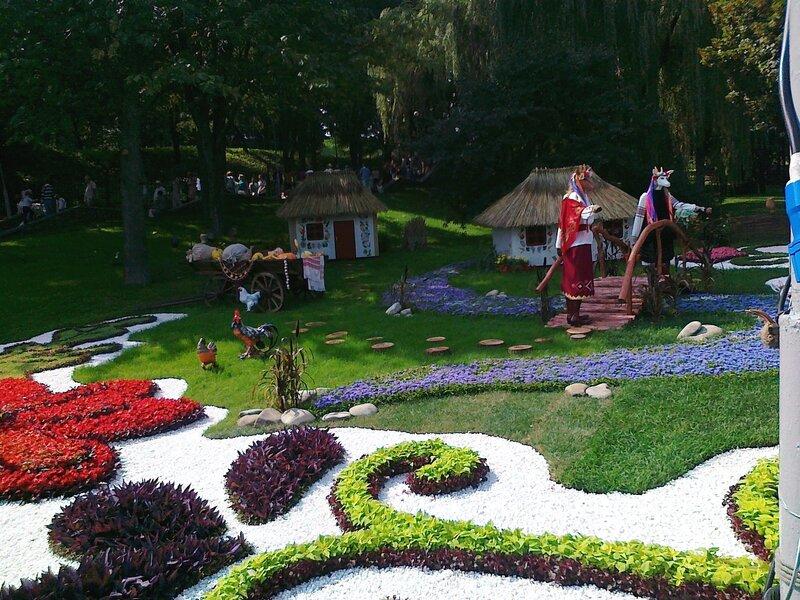 Сказка про двух козлов и двух козочек на выставке цветов