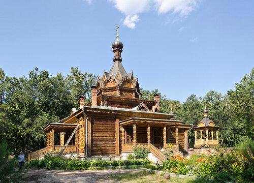 Храм св.Тихона Задонского.