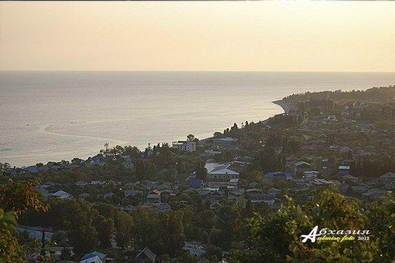 Вид с горы на селение Цандрипш