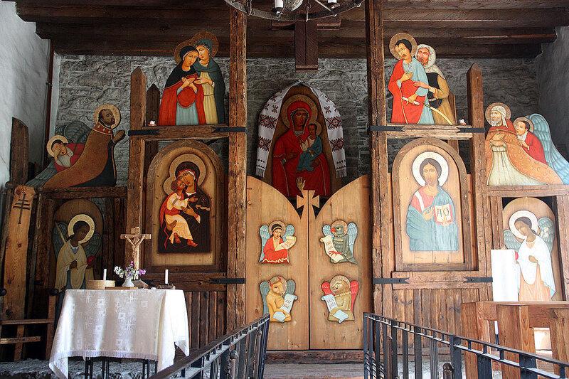 алтарь в Украинской Греко-Католической церкви Таллин