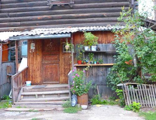 В деревянном Томске течет почти деревенская Жизнь