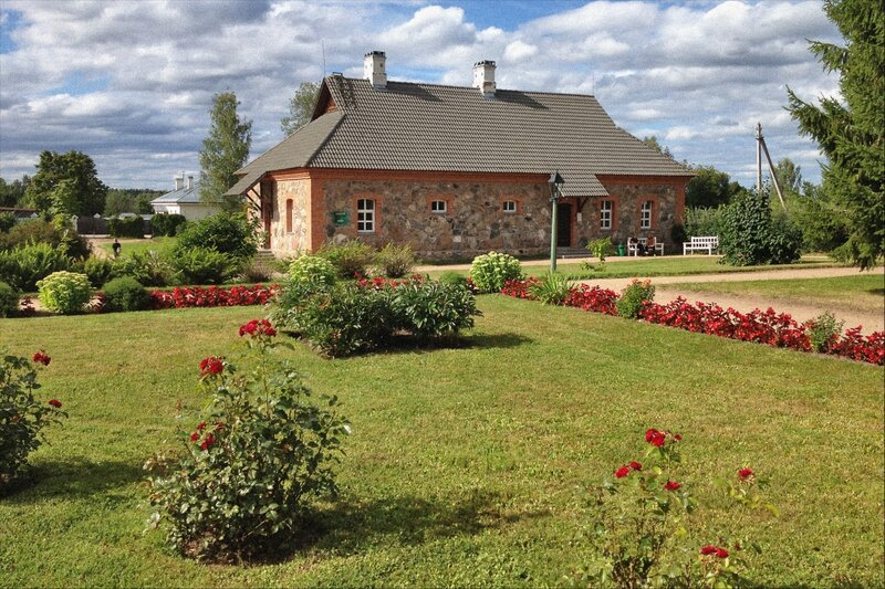 Пушкинские горы, Петровское