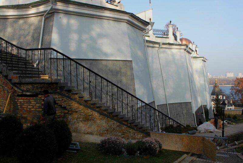 Дебоскетова стена после ремонта